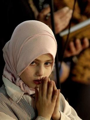 Why A 14 year Old Girl Started wearing HIJAB !