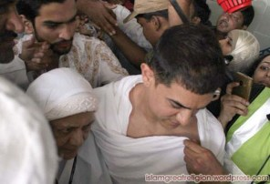 Aamir-Khan-leaves-for-Hajj-2012-pictures-pilgrimage-with-mother-006