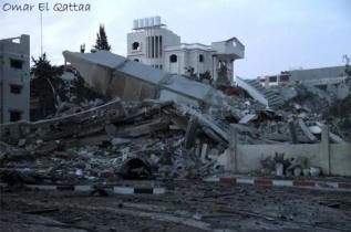 nov-17-2012-gaza-under-attack-israel-by-omar-al-qatta-6