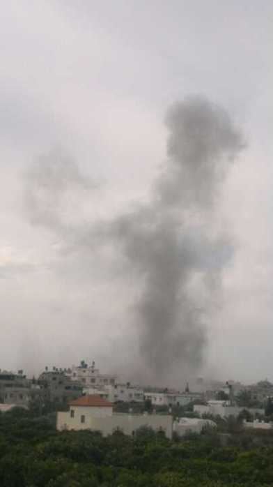 Nov 18 2012 Airstrike about 13hr Gaza Time Under Attack Israel