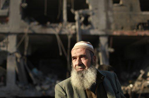 Nov 18 2012 - Gaza Under Attack by Israel Photo 2012-11-18T075443Z_2137663360_GM1E8BI185H01_RTRMADP_3_PALESTINIANS-ISRAEL
