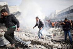 nov-18-2012-gaza-under-attack-by-israel-photo-2012-11-18t114547z_1225875115_gm1e8bi1iu101_rtrmadp_3_palestinians-israel