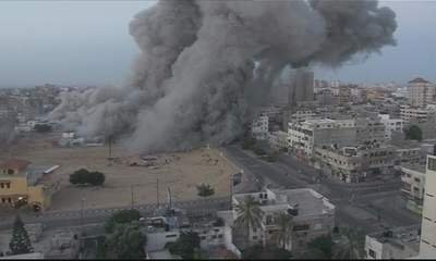 Nov 18 2012 - Gaza Under Attack by Israel Photo evs-xtaccess-2012-11-18-cam-c-04h08m22s05-1-400x240-20121118-005602-162