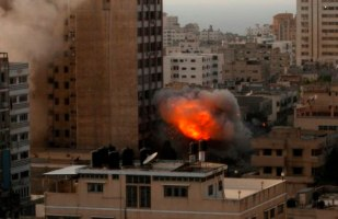 nov-19-2012-gaza-under-attack-7_53_16_19_11_20125