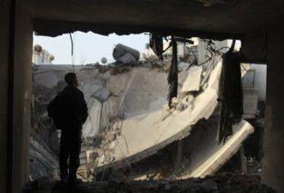 nov-19-2012-gaza-under-attack-israel-photo-2012-11-19t071436z_530505526_gm1e8bj164o01_rtrmadp_3_palestinians-israel