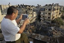 nov-19-2012-gaza-under-attack-israel-photo2012-11-19t081037z_1_cbre8ai0mpq00_rtroptp_2_palestinians-israel