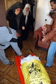 nov-19-2012-gaza-under-attack-wafa-23_46_13_19_11_20121