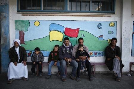 Nov 20 2012 Gaza Under Attack 2012-11-20T075946Z_1_CBRE8AJ0M7P00_RTROPTP_2_PALESTINIANS-ISRAEL-DISPLACED