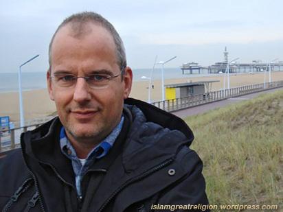 Far-right Dutch Politician Reverts to Islam