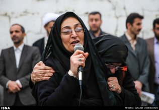 iran-mother-forgives-son-killer-011