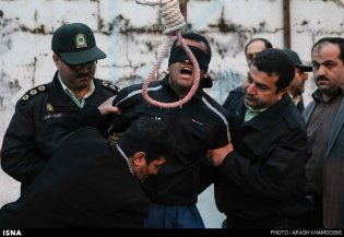 iran-mother-forgives-son-killer-05-6