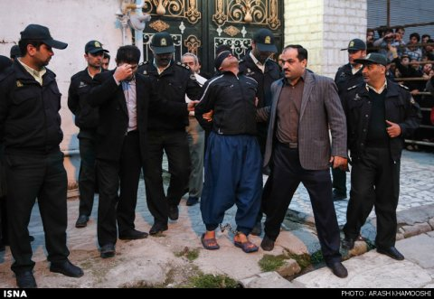 iran-mother-forgives-son-killer-05
