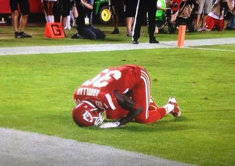 muslim-footballer-punished-for-praying