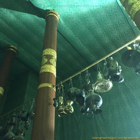 Lamps inside Kaba