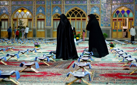 Iranian women arrive to attend a ceremony to recite verses of the Koran at the shrine of Saint Mohammad Helal Ibn Ali in the city of Aran and Bidgol, Isfahan province, Iran