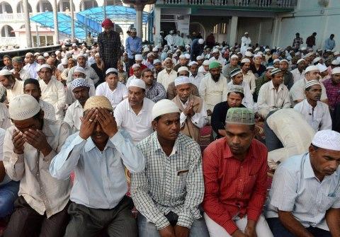 Ramadan-Looks-Like-Around-The-World-25