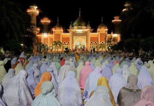 Ramadan-Looks-Like-Around-The-World-7