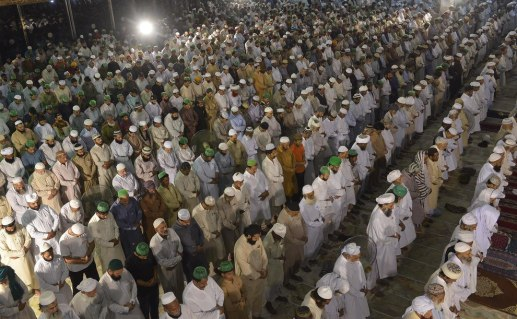 Ramadan-Looks-Like-Around-The-World-8